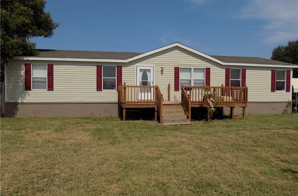 Springtown, 3 Bed, 2 Bath, Under 125K