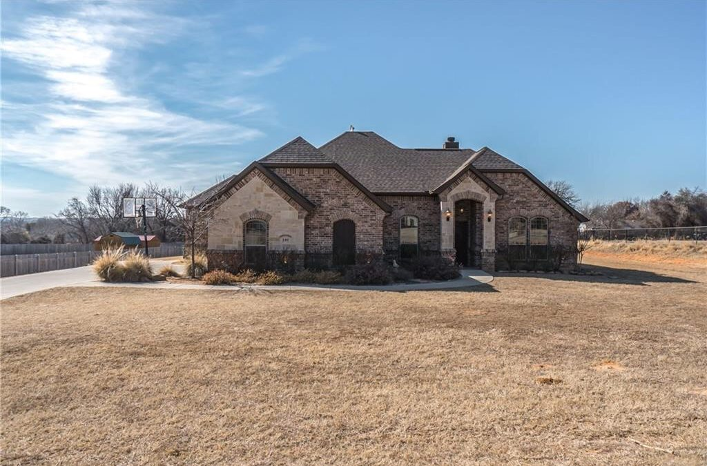 Springtown, 4 Bed, 2 Bath, Under $260K