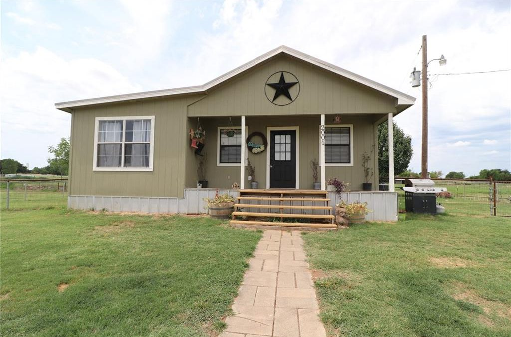 Springtown, 3 bed, 1 bath, Under 240K