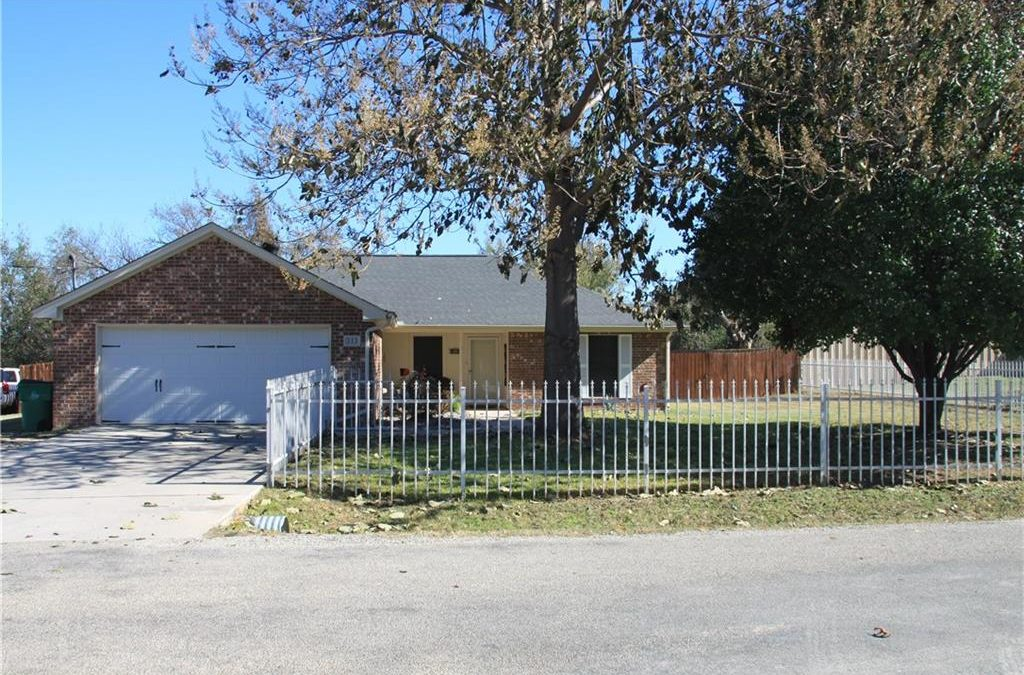Springtown, 3 Bed, 2 Bath, Under $250K