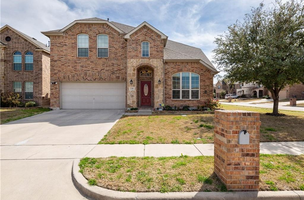 Fort Worth, 5 Bed, 2.5 bath, Under 320k