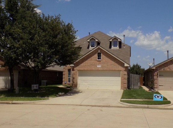 Fort Worth homes under 300k 4 bed 3 bath